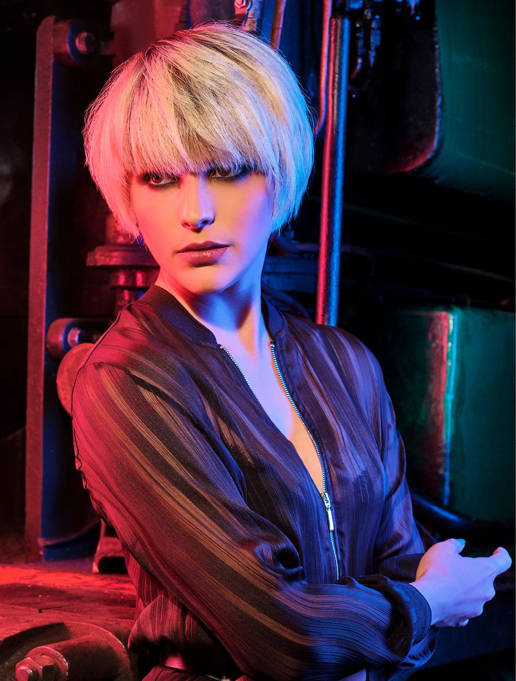 Parfait pour les teints clairs en hiver, le blond lumineux et éclatante.